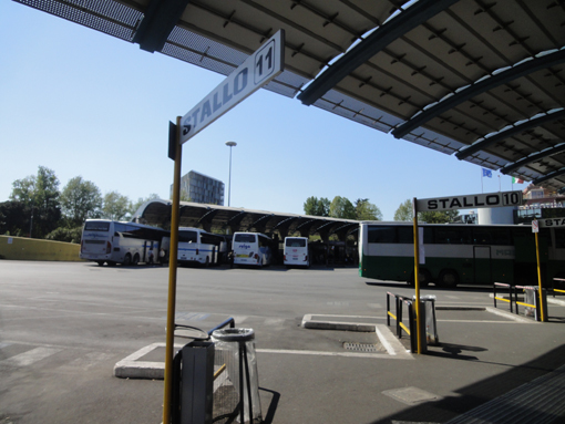017・ティブリティアーナ・バス停留所・間違えた待合所・510.JPG