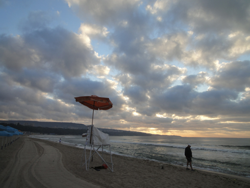021・7月14日「ヴァルナ浜の夜明け」・510.jpg