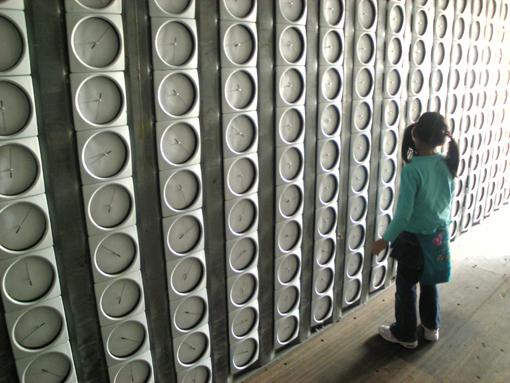 神戸ビエンナーレ・「時計の壁と少女」・入選作・510・001.jpg
