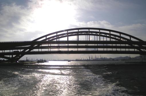 神戸ビエンナーレ・「橋をくぐる」・510・008.jpg